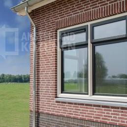 """Meneer Pel uit Amsterdam weet: """"Keuze genoeg in kunststof kozijnen"""""""